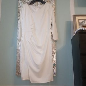 Offwhite dress with ruching on side